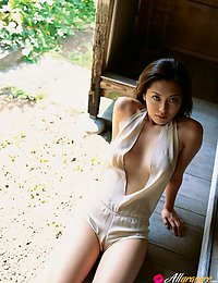 Haruna Yabuki Beautiful gravure idol seductress teases with her perfect body